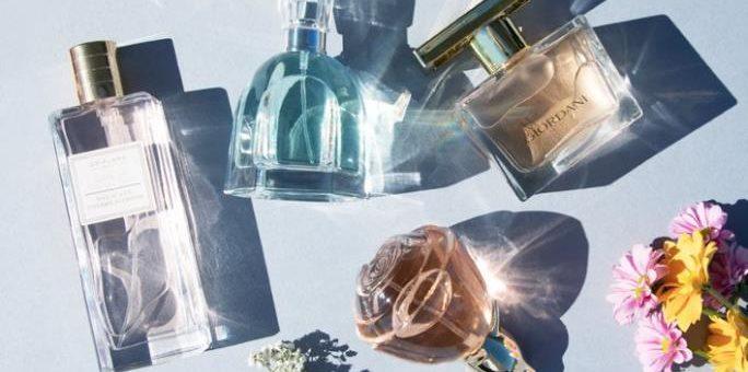 Parfém, parfémovaná voda, toaletní voda, kolínská – jaký je v nich rozdíl?